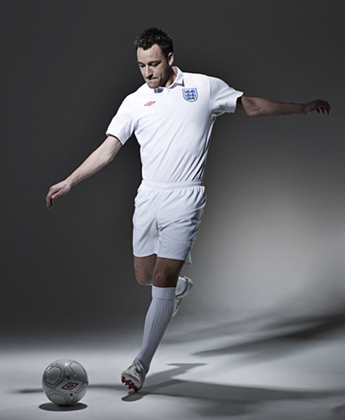 umbro-2009-england-national-team-kits-4.jpg