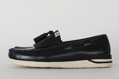 visvim-paine-moc-folk-fall-winter-2010-1.jpg
